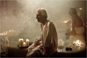 Roberto Hertzikler, dans le rôle du psychiatre du bain turc du Sénat