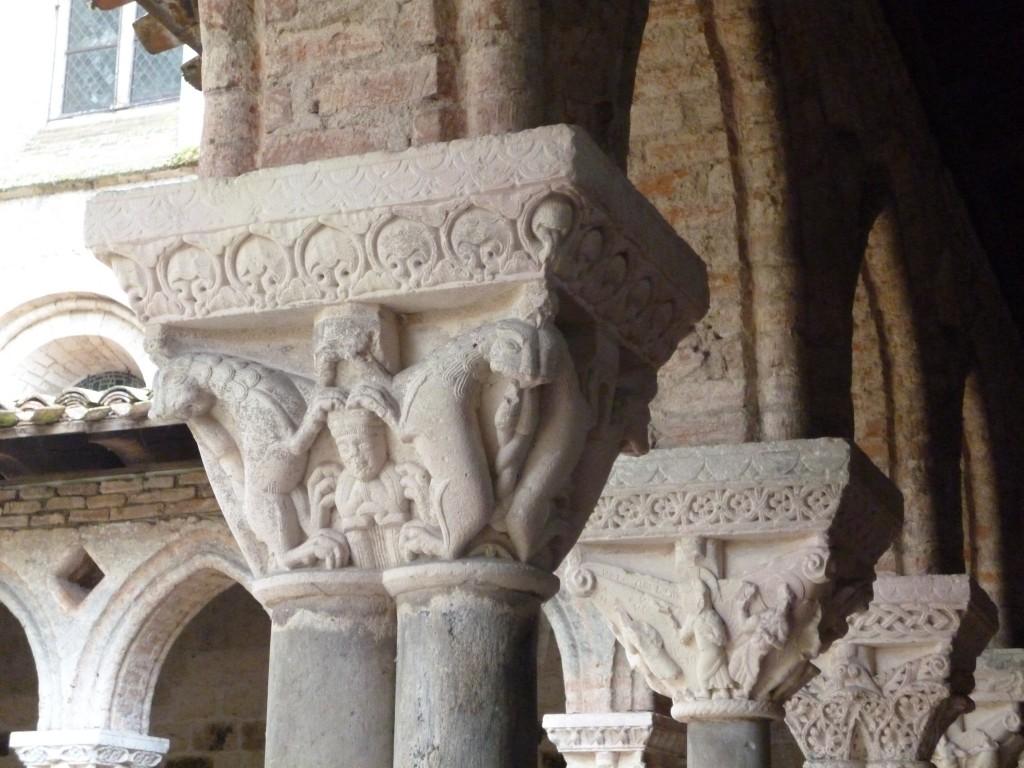 Chapiteaux du cloître de Saint Pierre de Moissac