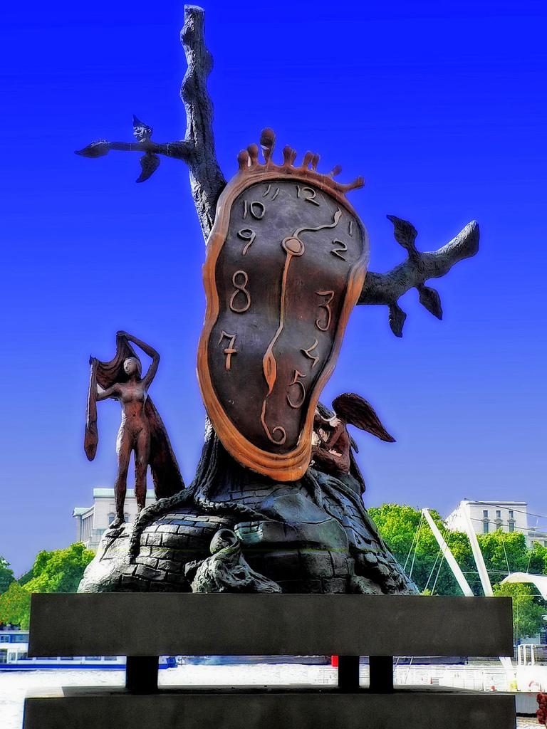 La montre molle, statue de Salvador Dali à Southbank, Londres