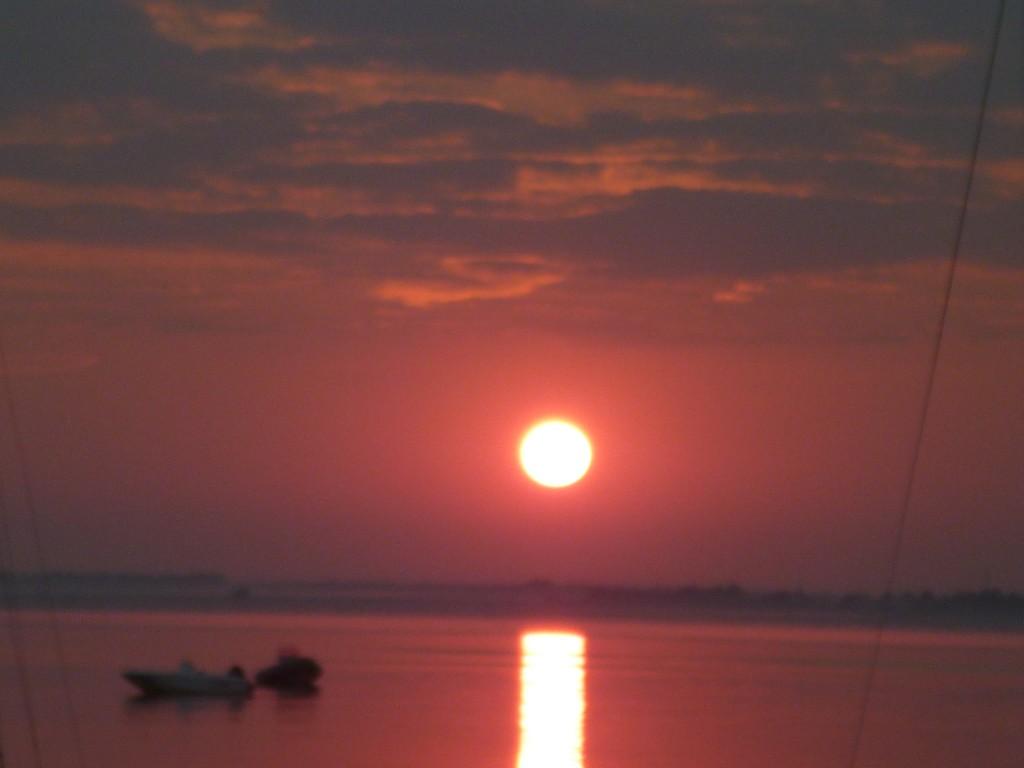 Aurore sur le lac de Carcans à Maubuisson en septembre