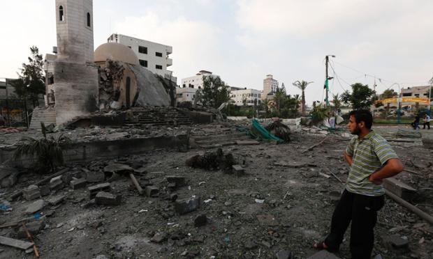 La Mosquée Al-Aqsa à Gaza, détruite par un bombardement
