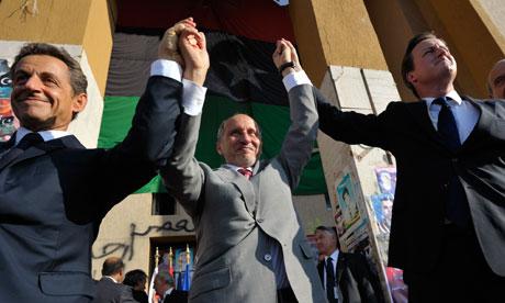 Nicolas Sarkozy et David Cameron célèbrent leur victoire à Tripoli en septembre 2011