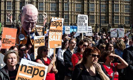 Manifestation contre la réforme de la probation et de l'aide judiciaire en Angleterre
