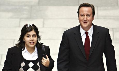 Sayeeda Warsi avec David Cameron