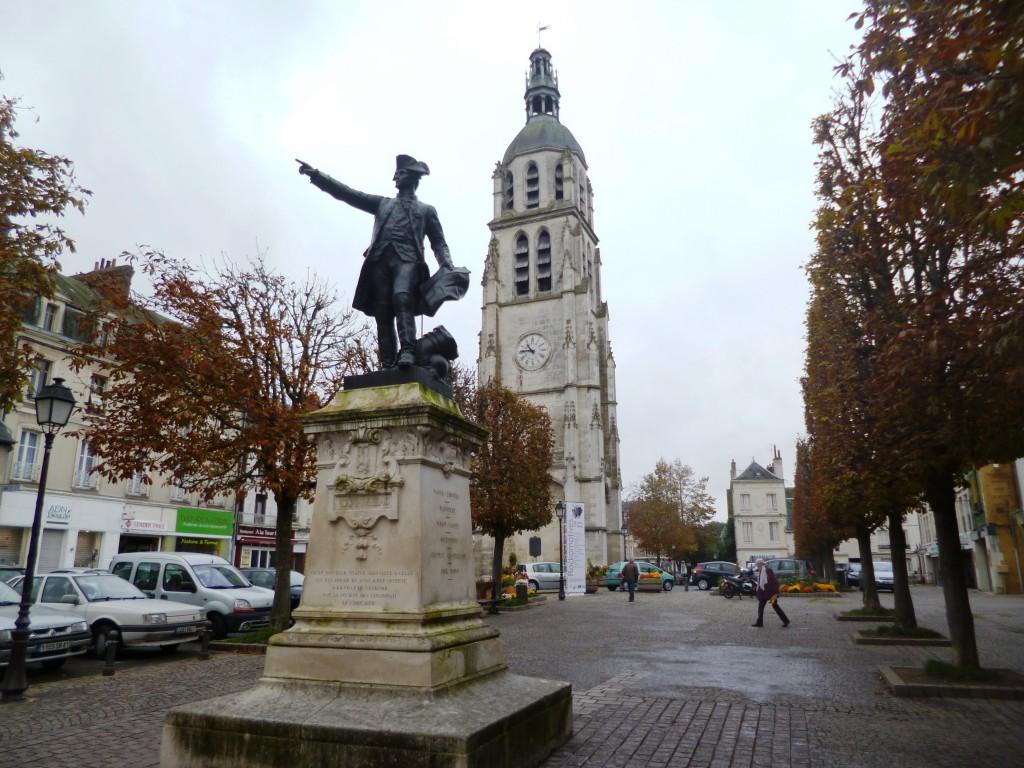 La statue de Rochambeau à Vendôme