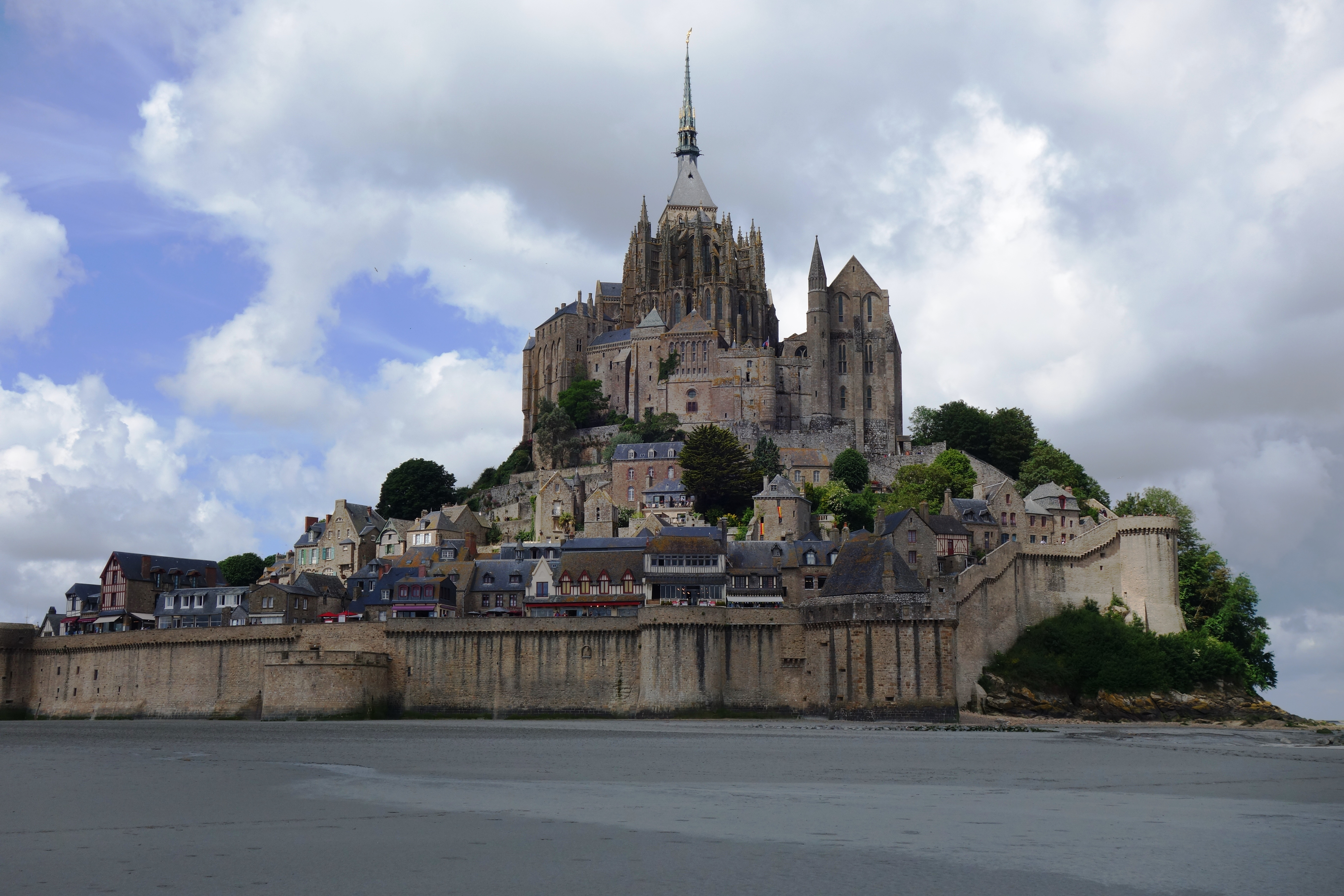 Au mont saint michel transhumances for Au jardin st michel pontorson